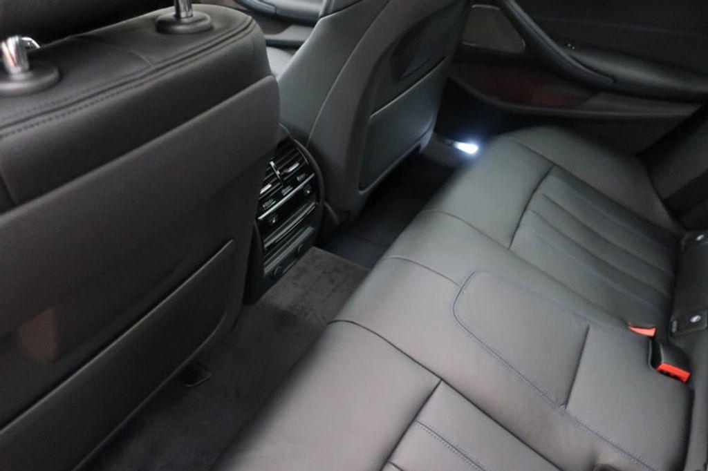 2018 BMW 5 Series 540i - 17208755 - 25
