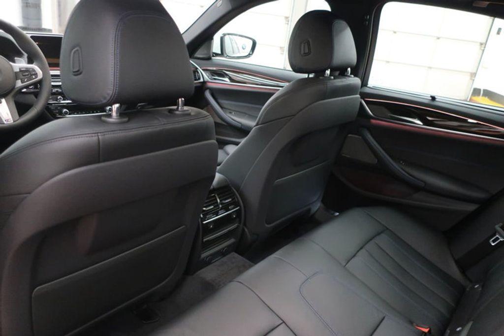 2018 BMW 5 Series 540i - 17208755 - 28