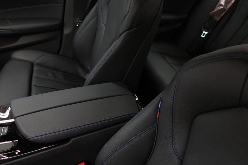 2018 BMW 5 Series 540i - 17208755 - 34