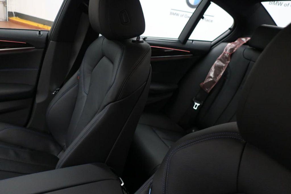 2018 BMW 5 Series 540i - 17208755 - 35