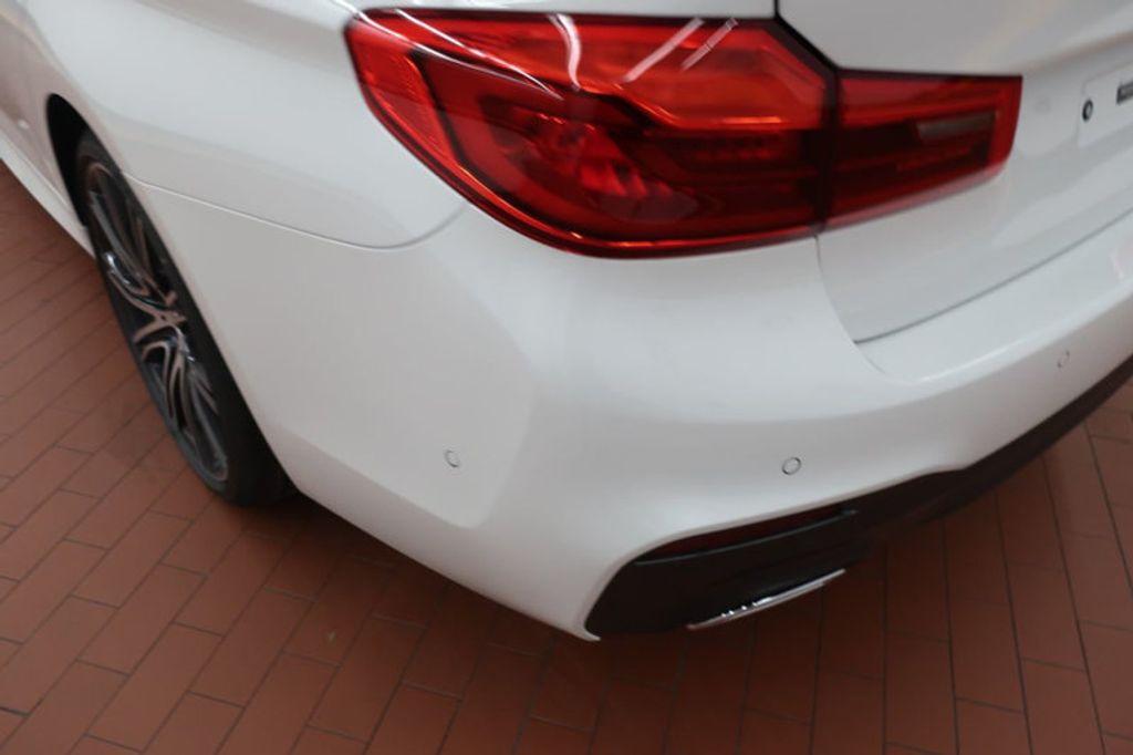 2018 BMW 5 Series 540i - 17208755 - 3