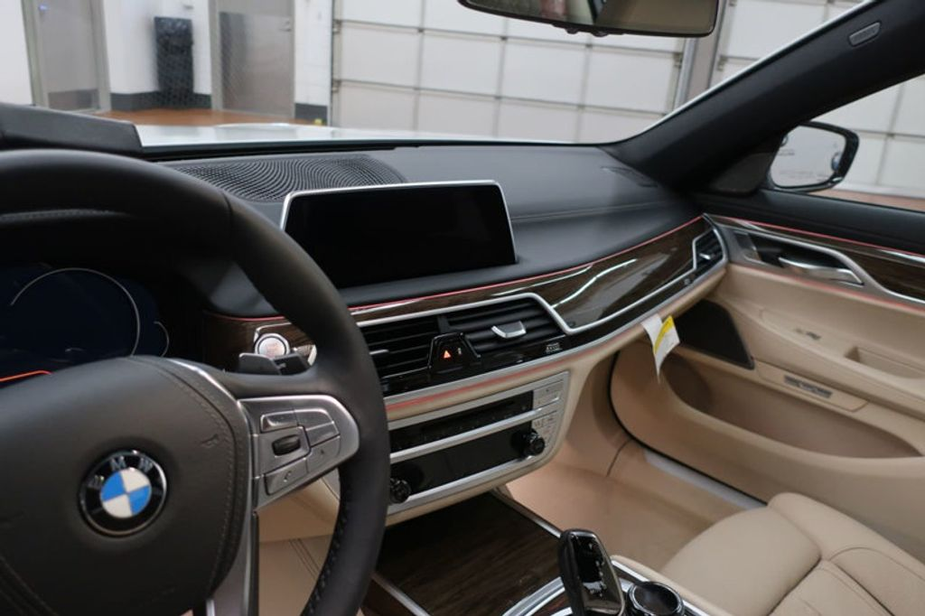 2018 BMW 7 Series 740i - 17142500 - 32