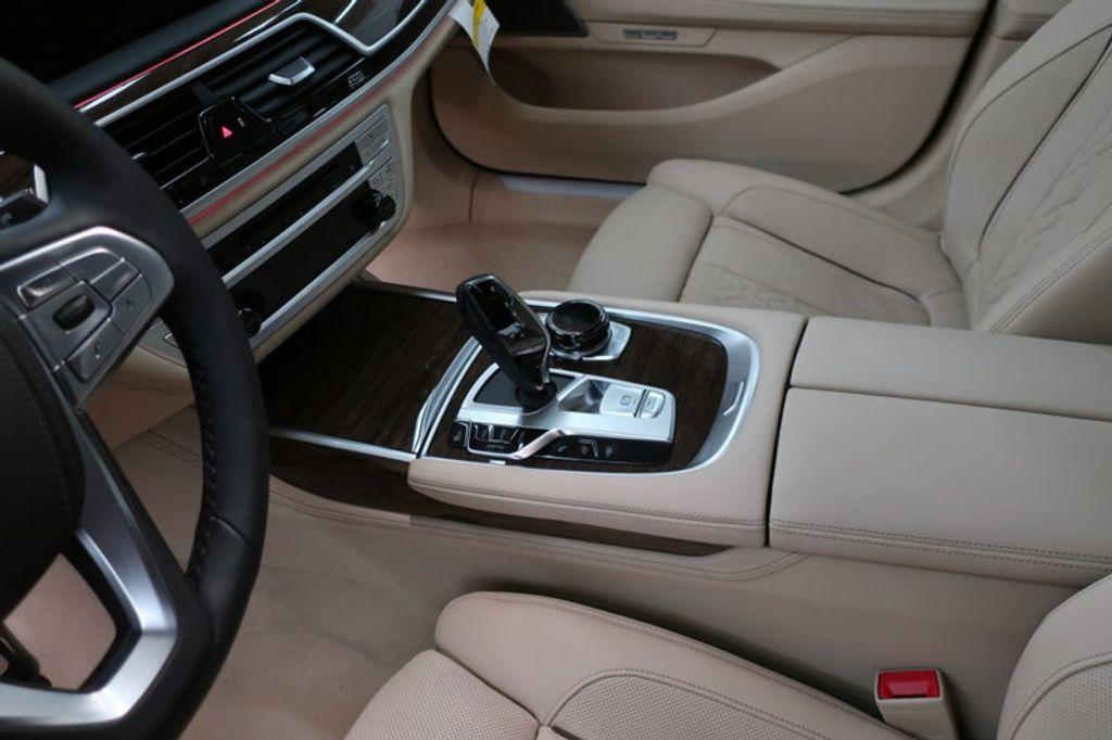 2018 BMW 7 Series 740i - 17142500 - 33