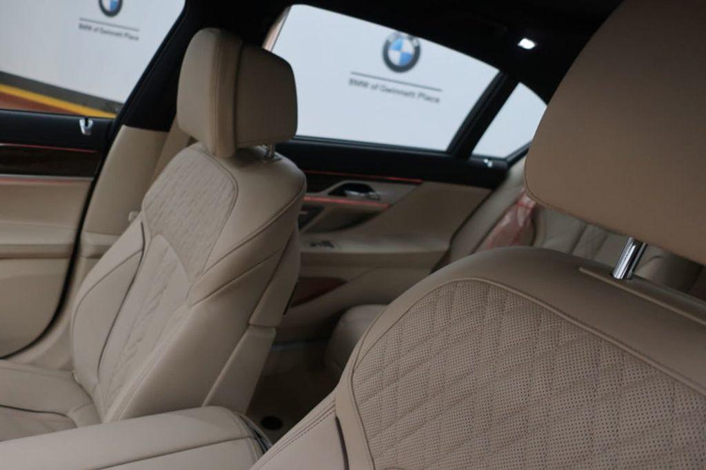 2018 BMW 7 Series 740i - 17142500 - 36