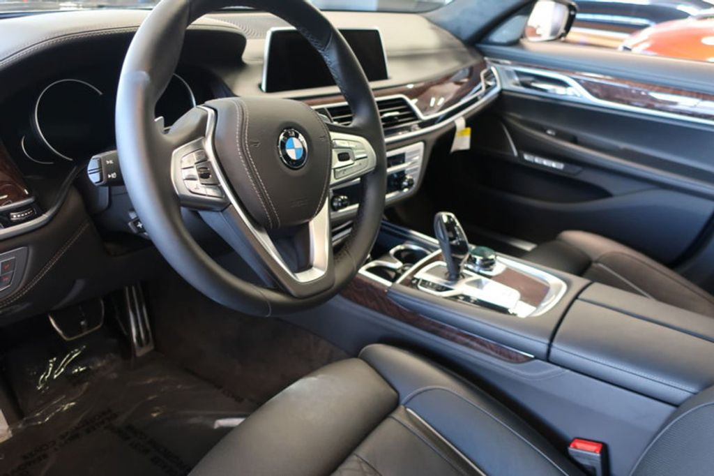 2018 BMW 7 Series 750i xDrive - 17067470 - 10