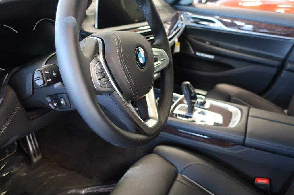 2018 BMW 7 Series 750i xDrive - 17067470 - 16