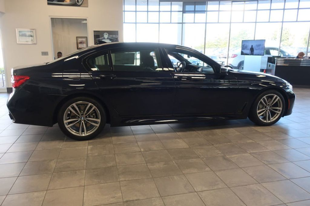 2018 BMW 7 Series 750i xDrive - 17067470 - 4