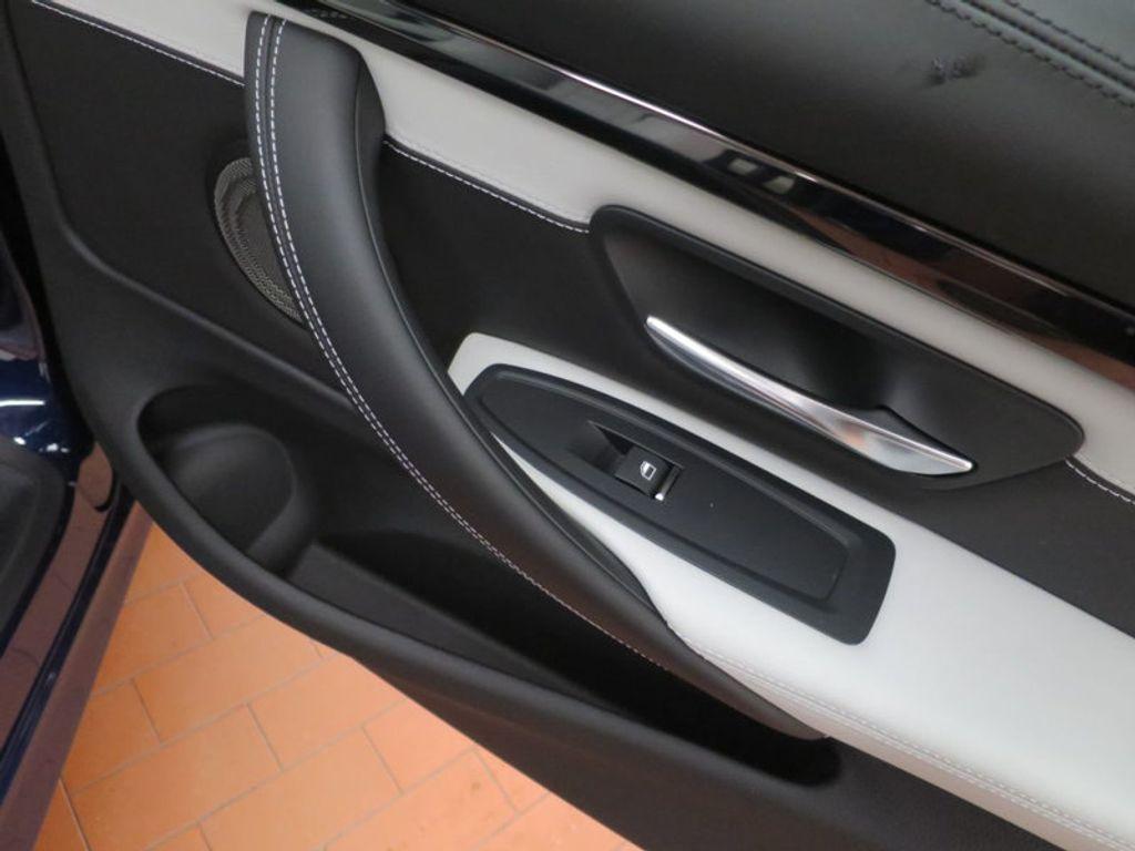 2018 BMW M4 18 BMW M4 CPE 2DR CPE - 16355413 - 25