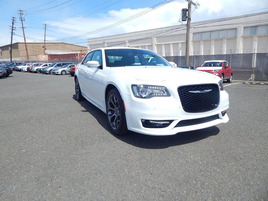 2018 Chrysler 300 S - 17760946 - 2