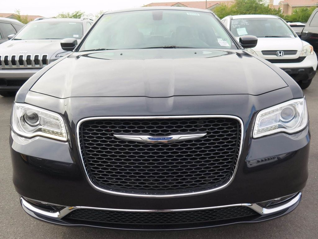 2018 Chrysler 300 Touring - 16964646 - 1