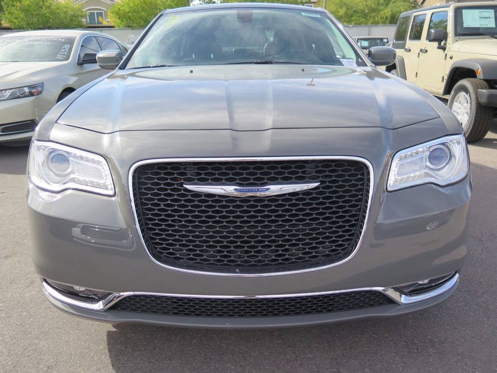 2018 Chrysler 300 Touring - 16977930 - 1