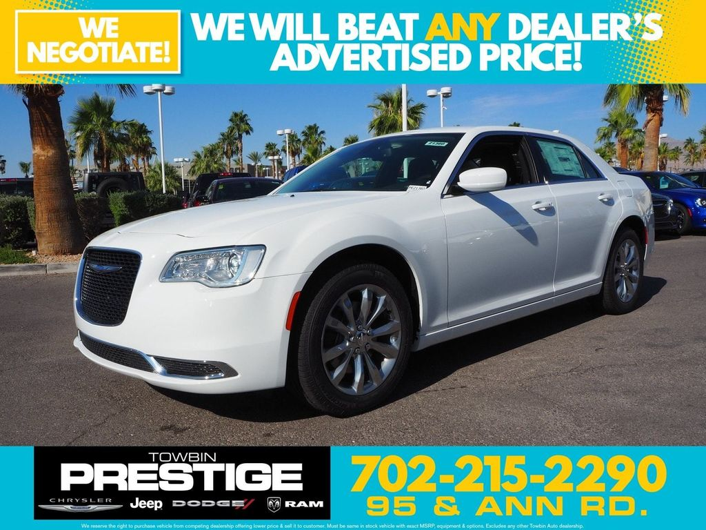 2018 Chrysler 300 Touring AWD - 17804523 - 0