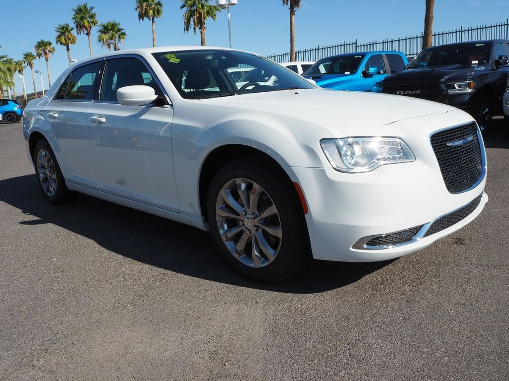 2018 Chrysler 300 Touring AWD - 17804523 - 2