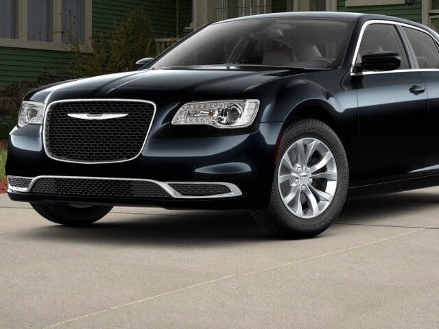 2018 Chrysler 300 Touring RWD - 17017592 - 0
