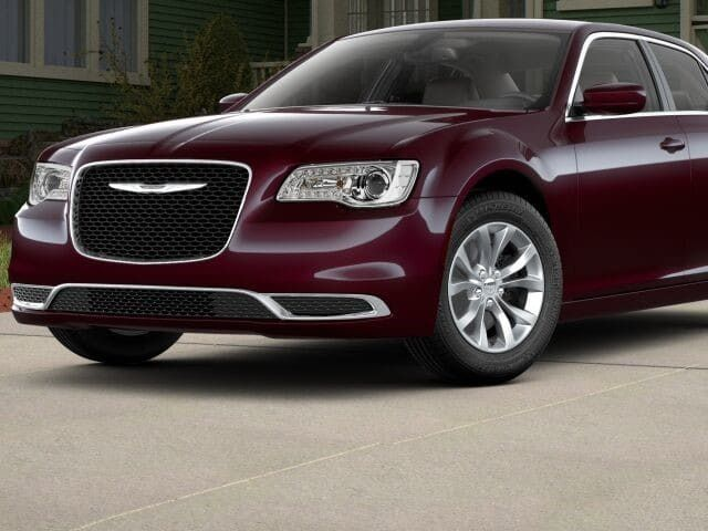 2018 Chrysler 300 Touring RWD - 17528146 - 0