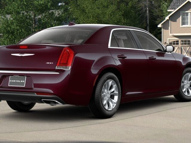 2018 Chrysler 300 Touring RWD - 17528146 - 1