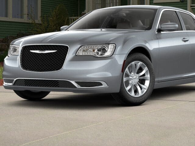 2018 Chrysler 300 Touring RWD - 17602325 - 0