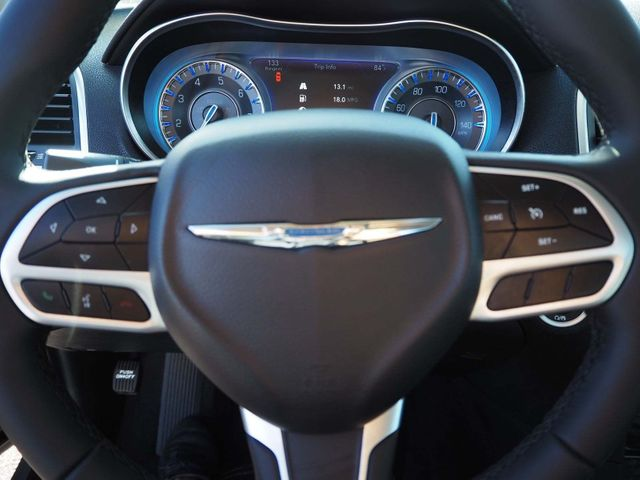 2018 Chrysler 300 Touring RWD - 17602325 - 10