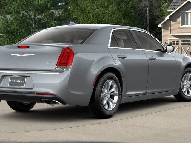 2018 Chrysler 300 Touring RWD - 17602325 - 1