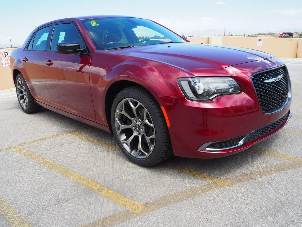 2018 Chrysler 300 Touring RWD - 17731769 - 2