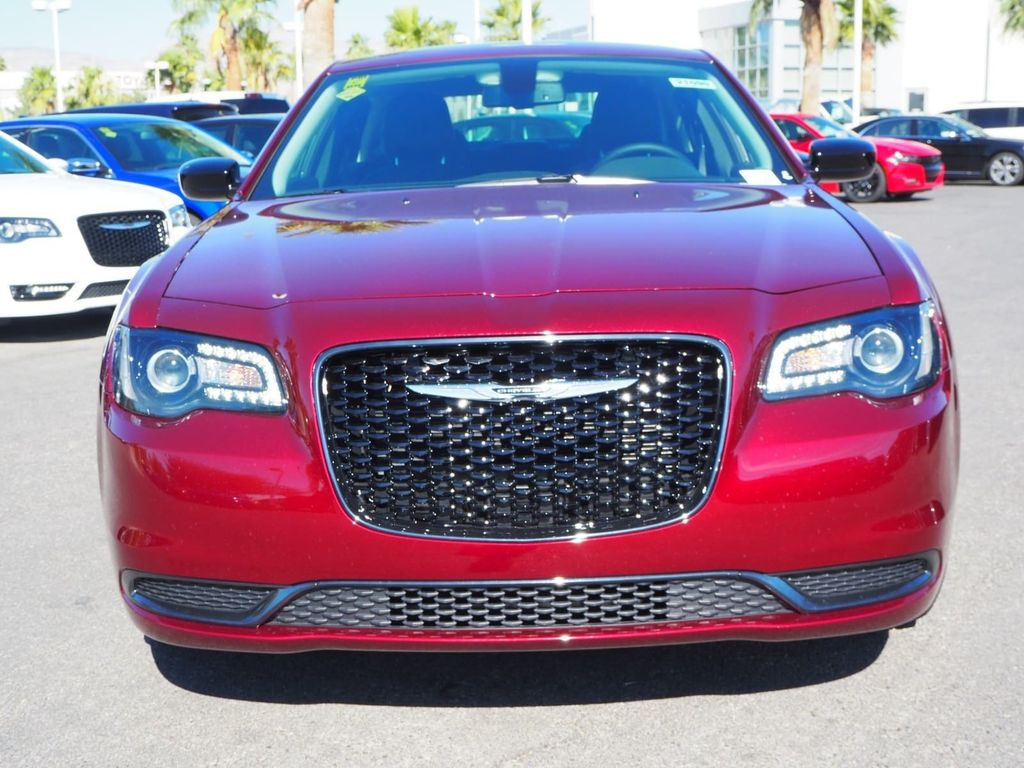 2018 Chrysler 300 Touring RWD - 17738660 - 1
