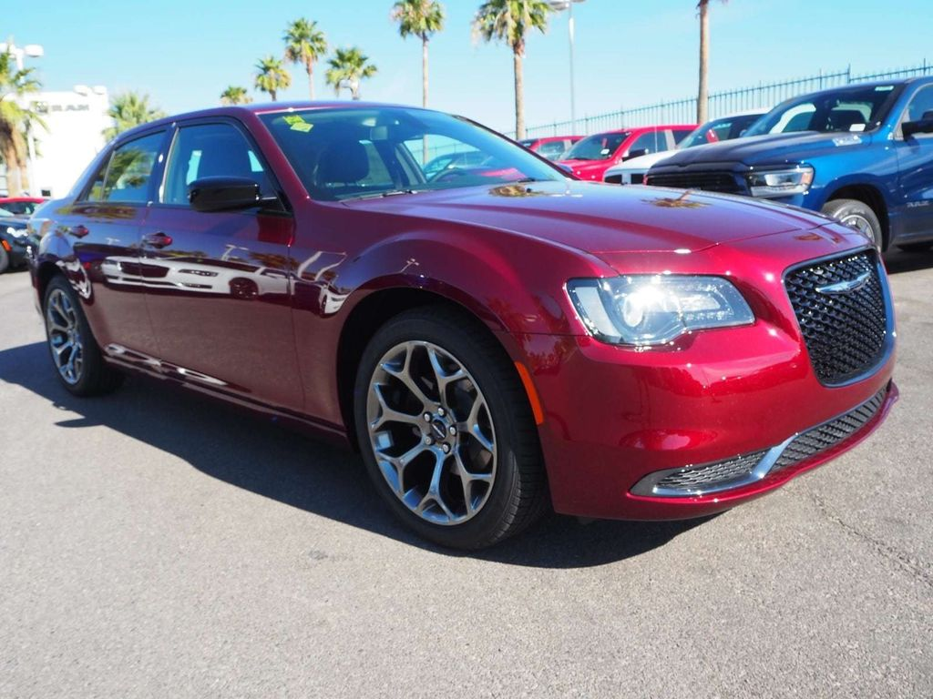 2018 Chrysler 300 Touring RWD - 17738660 - 2