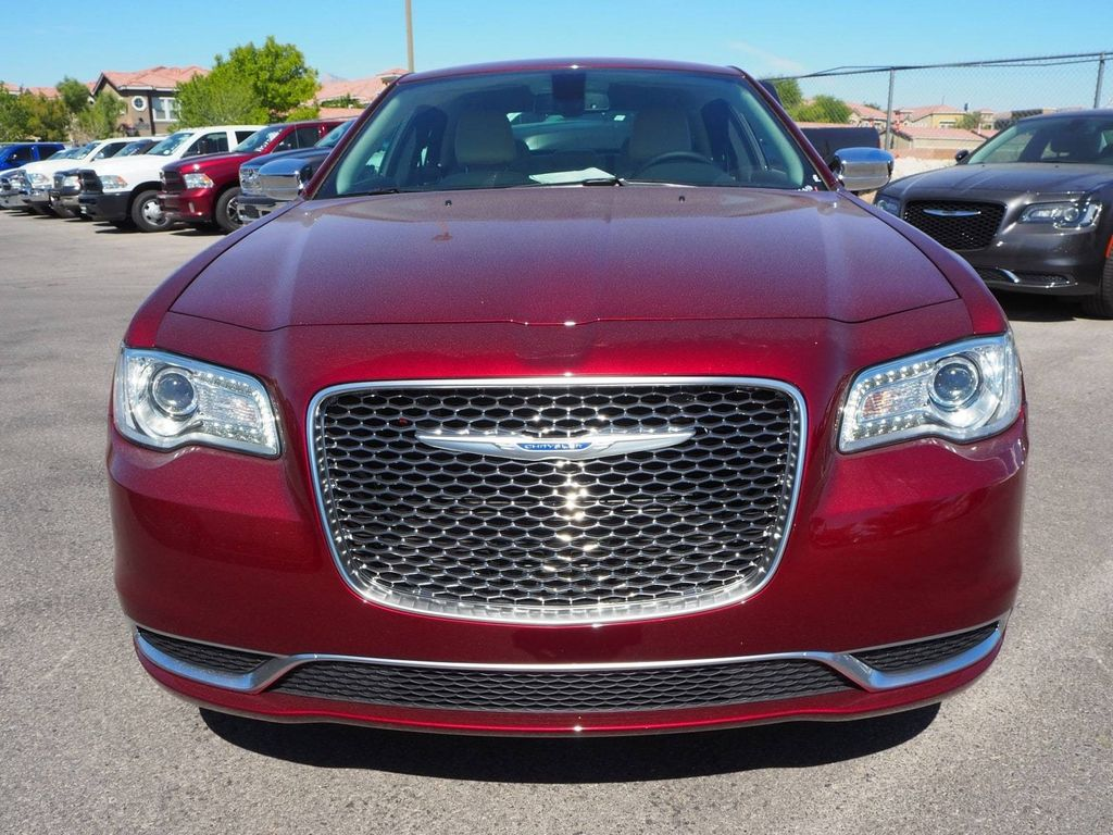 2018 Chrysler 300 Touring RWD - 17847147 - 1