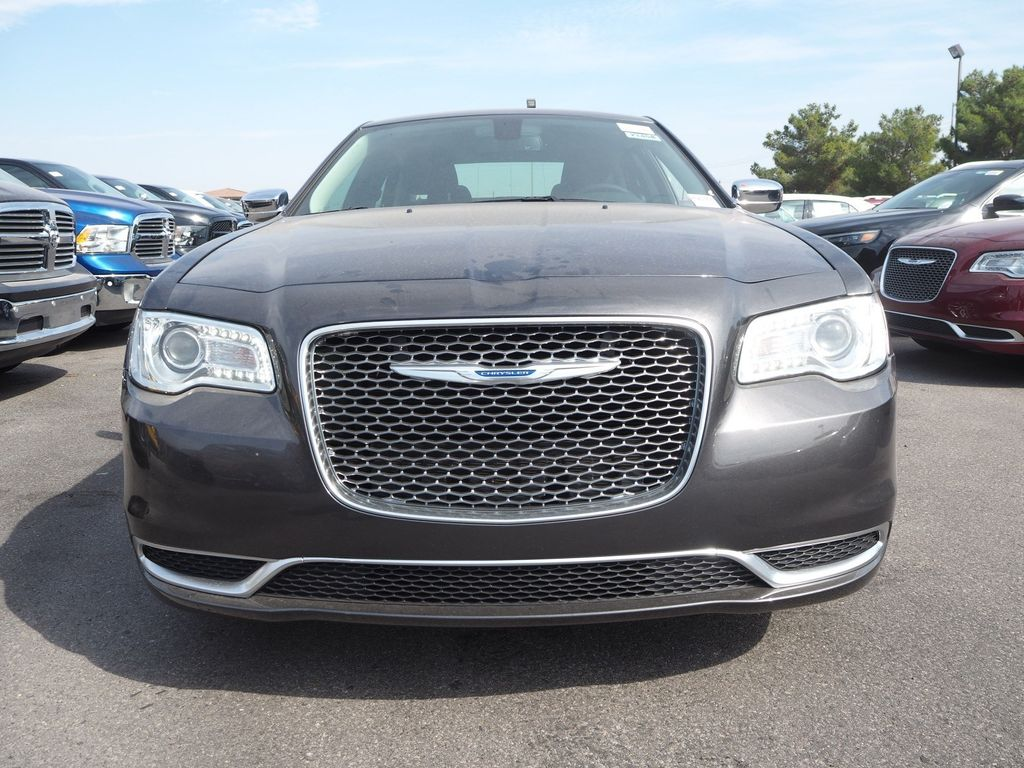 2018 Chrysler 300 Touring RWD - 17847149 - 1