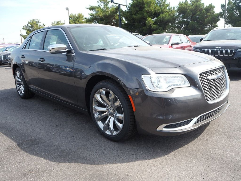 2018 Chrysler 300 Touring RWD - 17847149 - 2