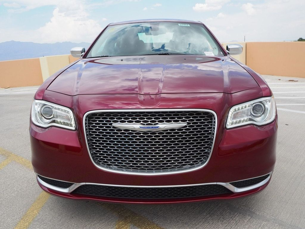 2018 Chrysler 300 Touring RWD - 17853389 - 1