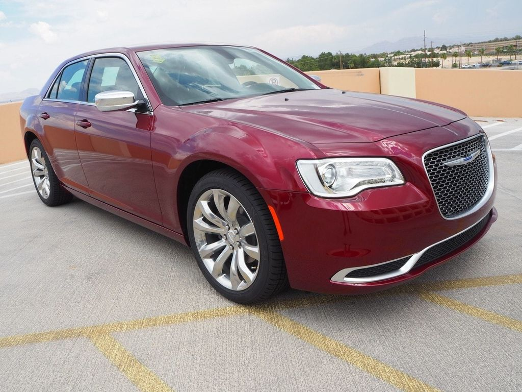2018 Chrysler 300 Touring RWD - 17853389 - 2