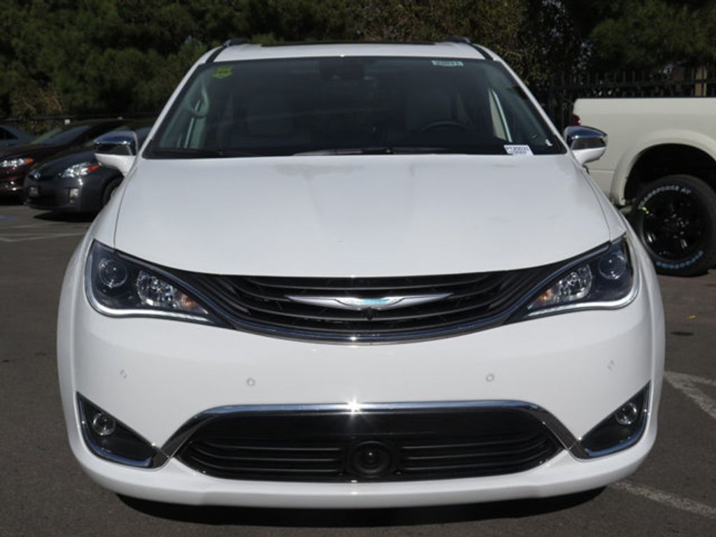 2018 Chrysler Pacifica Hybrid Limited FWD - 17126925 - 1