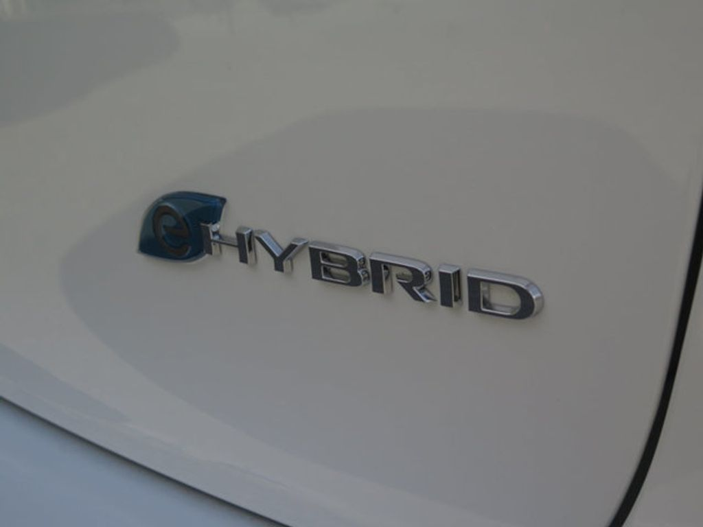2018 Chrysler Pacifica Hybrid Limited FWD - 17126925 - 4