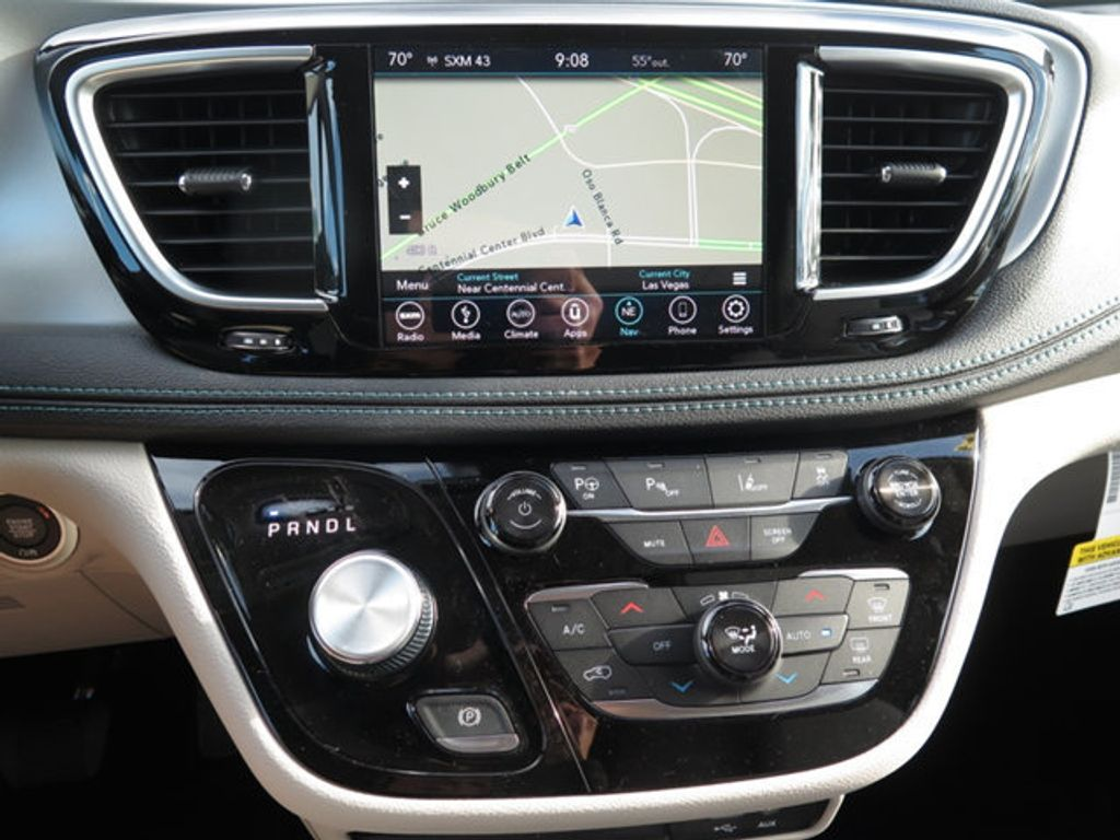 2018 Chrysler Pacifica Hybrid Limited FWD - 17161635 - 15