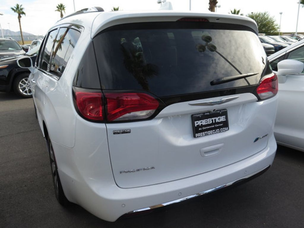2018 Chrysler Pacifica Hybrid Limited FWD - 17161635 - 4