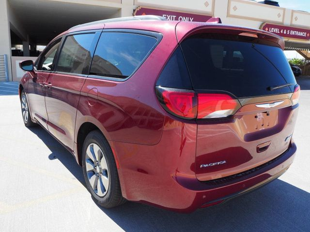 2018 Chrysler Pacifica Hybrid Limited FWD - 17564564 - 3