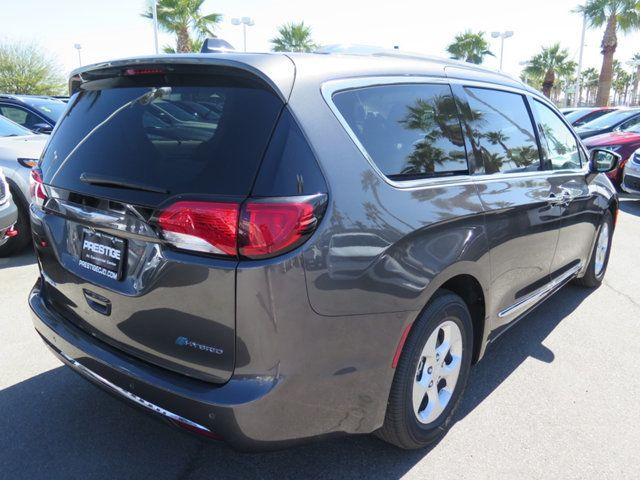 2018 Chrysler Pacifica Hybrid Touring L FWD - 17336021 - 3