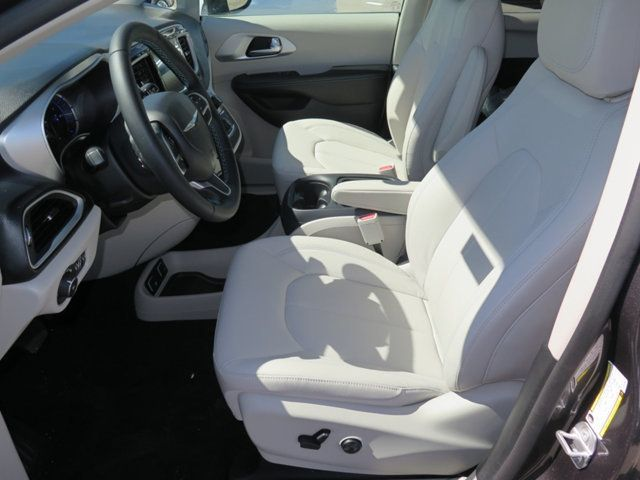 2018 Chrysler Pacifica Hybrid Touring L FWD - 17336021 - 5