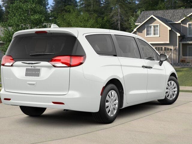 2018 Chrysler Pacifica L FWD - 17498402 - 1