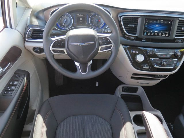 2018 Chrysler Pacifica L FWD - 17498402 - 8