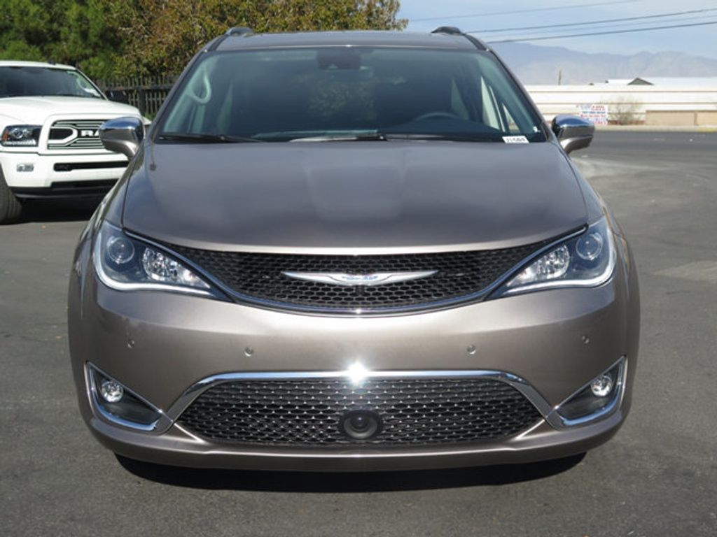 2018 Chrysler Pacifica Limited FWD - 17261588 - 1