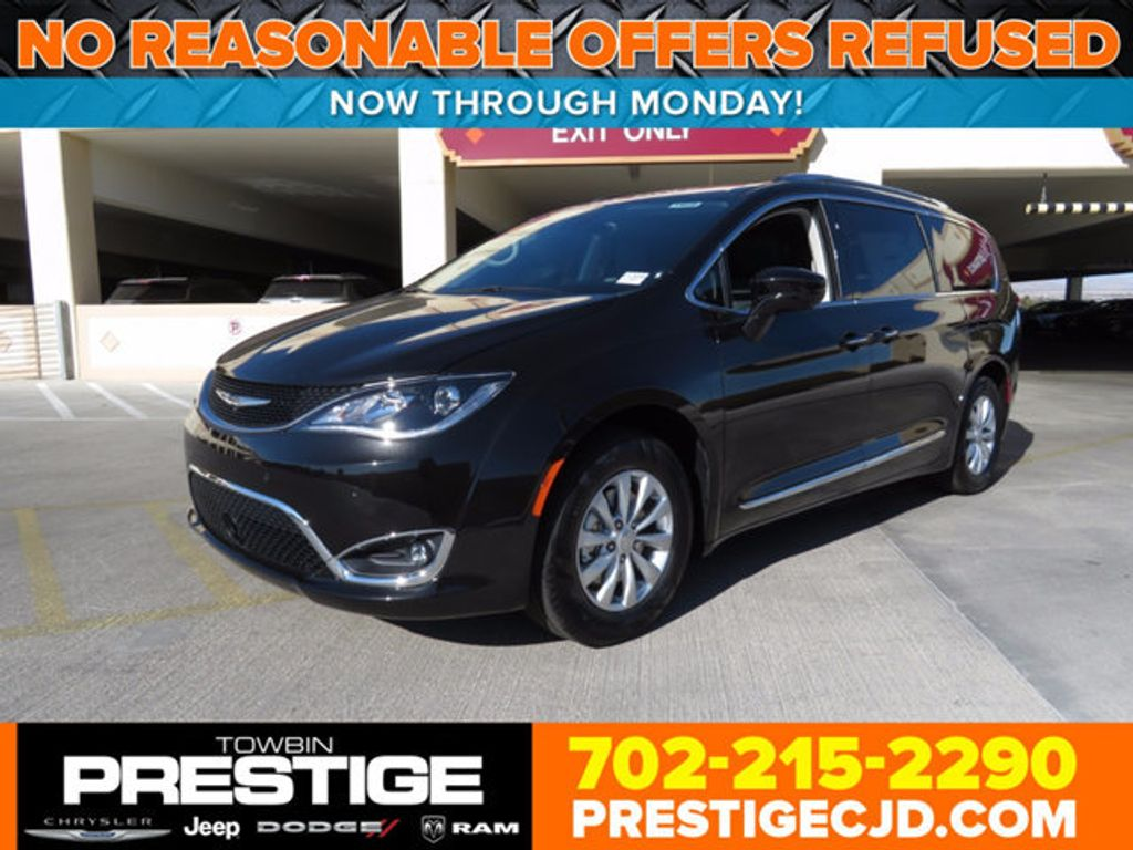 2018 Chrysler Pacifica Touring L Plus FWD - 16796343 - 0