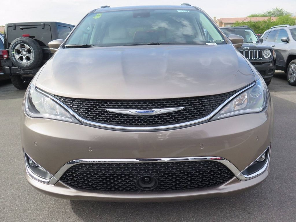 2018 Chrysler Pacifica Touring L Plus FWD - 16869367 - 1