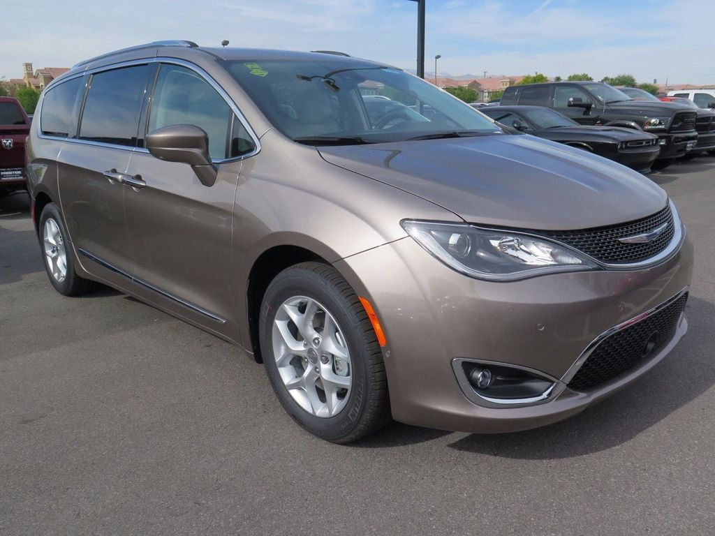 2018 Chrysler Pacifica Touring L Plus FWD - 16869367 - 2