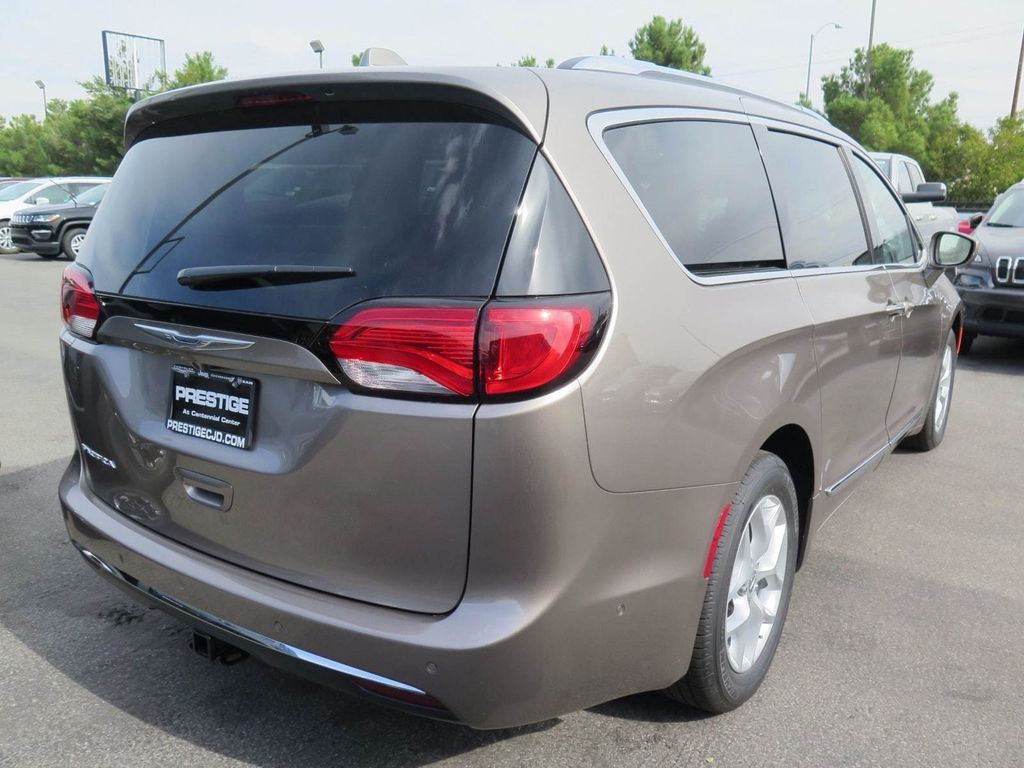 2018 Chrysler Pacifica Touring L Plus FWD - 16869367 - 3