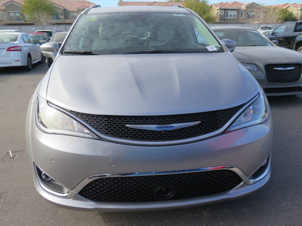 2018 Chrysler Pacifica Touring L Plus FWD - 17071348 - 1