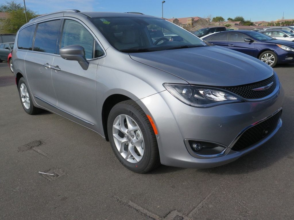 2018 Chrysler Pacifica Touring L Plus FWD - 17071348 - 2
