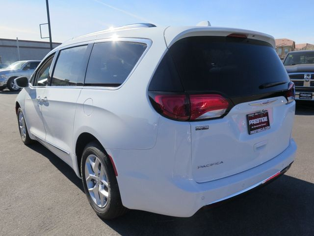 2018 Chrysler Pacifica Touring L Plus FWD - 17146374 - 3