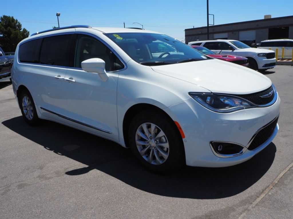 2018 Chrysler Pacifica Touring L Plus FWD - 17633665 - 2