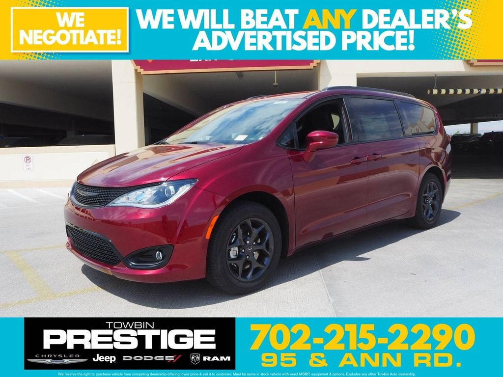 2018 Chrysler Pacifica Touring Plus FWD - 17726460 - 0